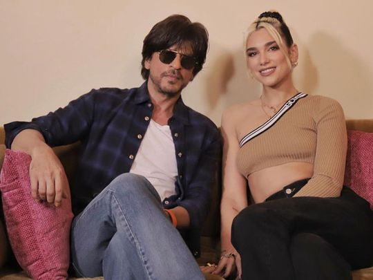 TAB 191117 Dua Lipa with Shah Rukh Khan-1573975425567