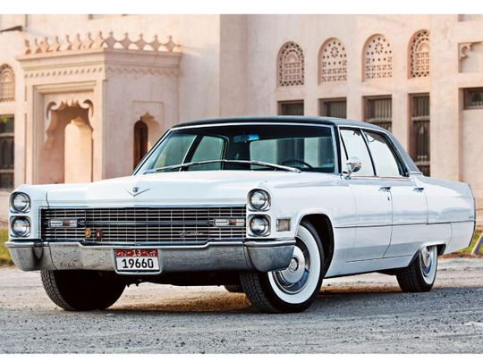 Auto 1966 Cadillac Sedan Deville
