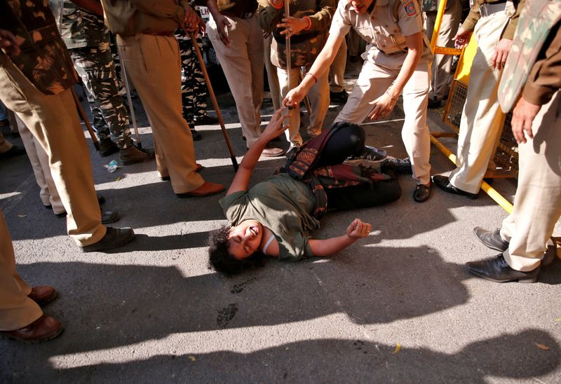 Copy of 2019-11-18T123244Z_703060471_RC2MDD9DKWJG_RTRMADP_3_INDIA-PROTESTS-1574085566997
