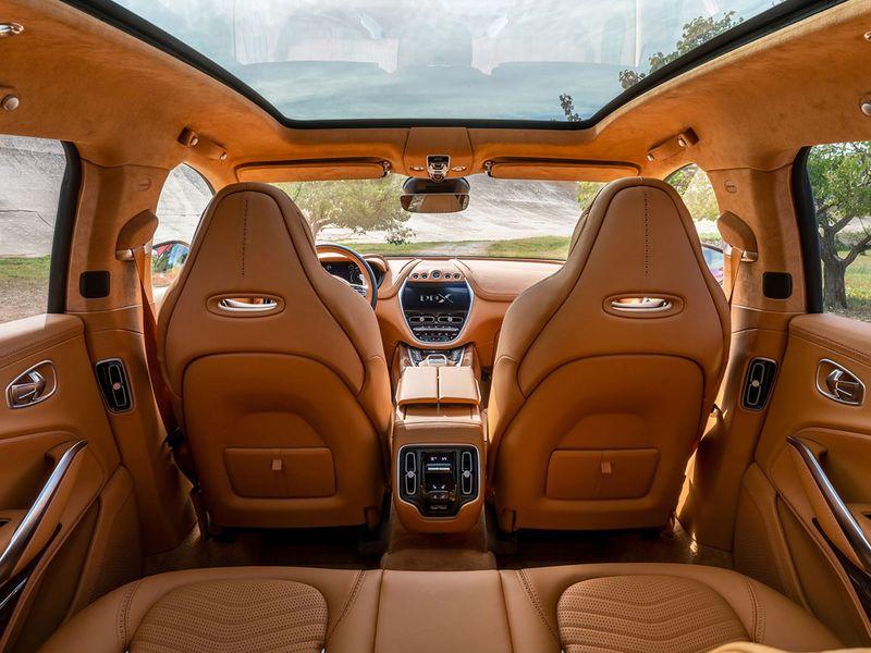 Aston-Martin-DBX_12-gn