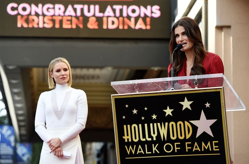 Copy-of-Kristen_Bell_and_Idina_Menzel_Honored_with_Stars_on_the_Hollywood_Walk_of_Fame_12370