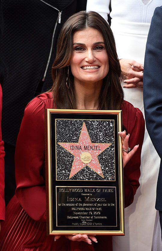Copy-of-Kristen_Bell_and_Idina_Menzel_Honored_with_Stars_on_the_Hollywood_Walk_of_Fame_66985