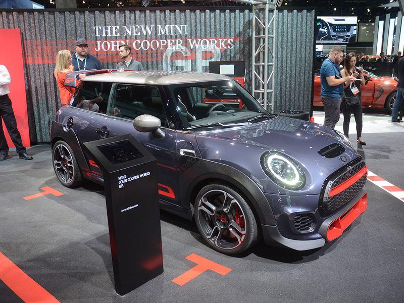 Auto LA Show Mini