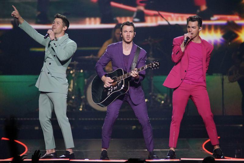 TAB 191121 Jonas Brothers-1574325981308