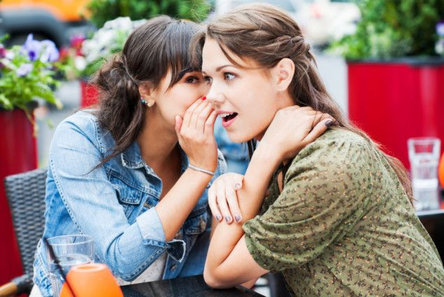 OPN 191122 Woman whispering-1574423813151