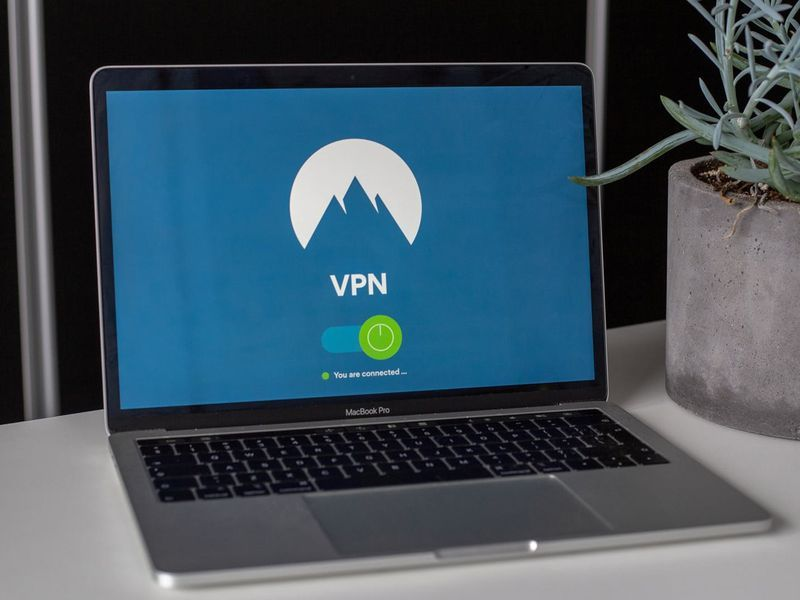 VPN-laptop01