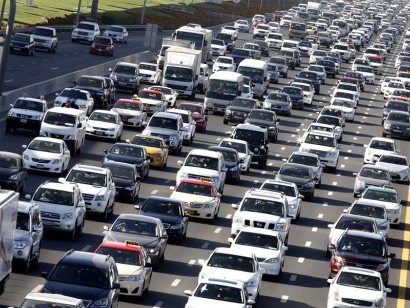 cars-on-uae-roads02