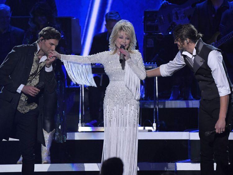 Dolly Parton5-1574516996905