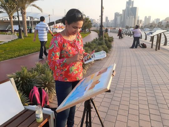 WKR 191121 Mrinmay Sebastian at a plein air painting session-1574506076977