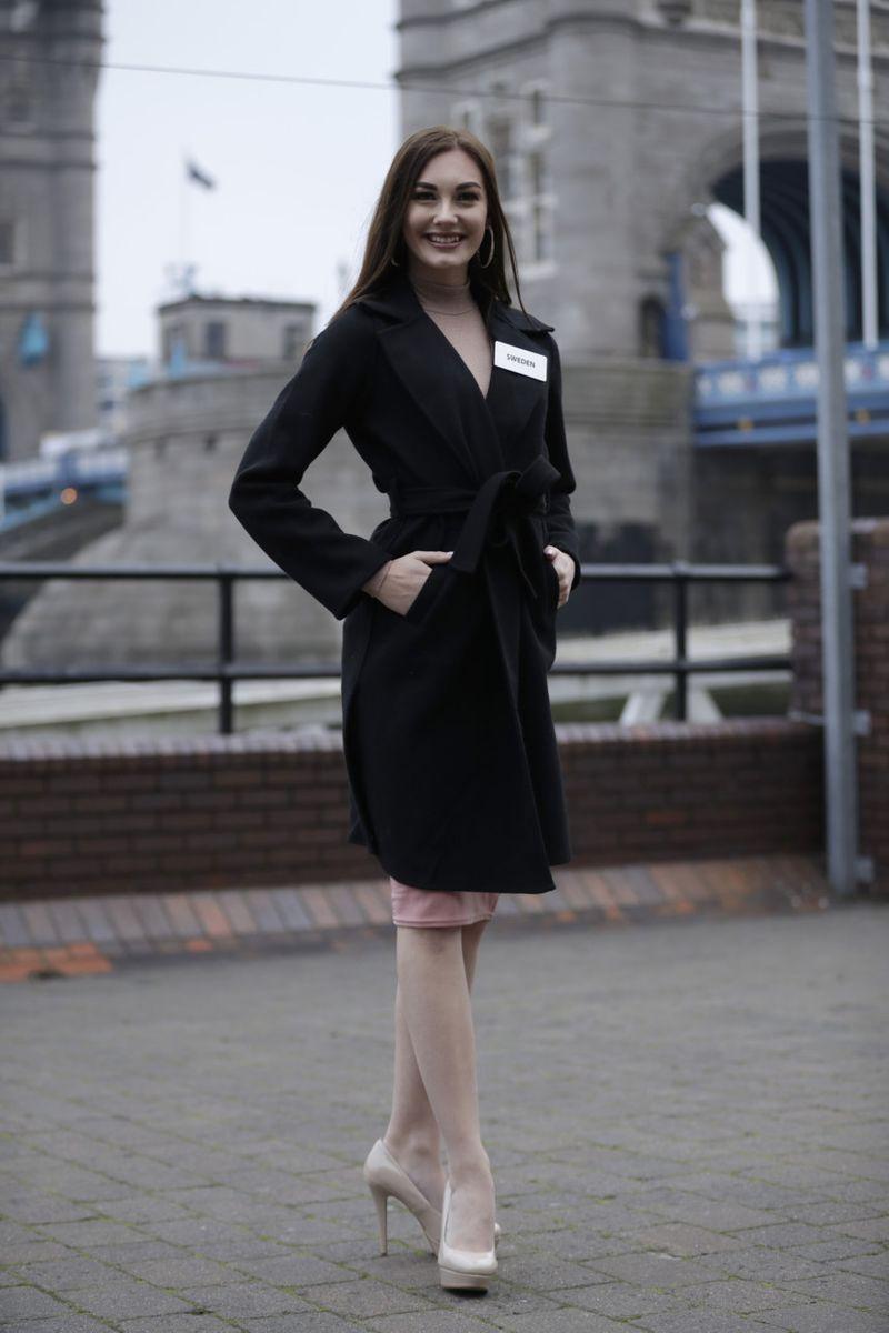 Copy of Britain_Miss_World_17600.jpg-8c5f5-1574682861413