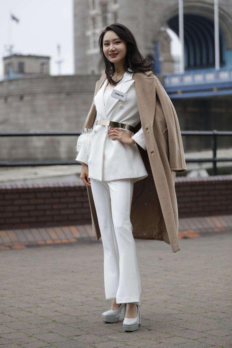 Copy of Britain_Miss_World_47259.jpg-3ce22-1574682873372