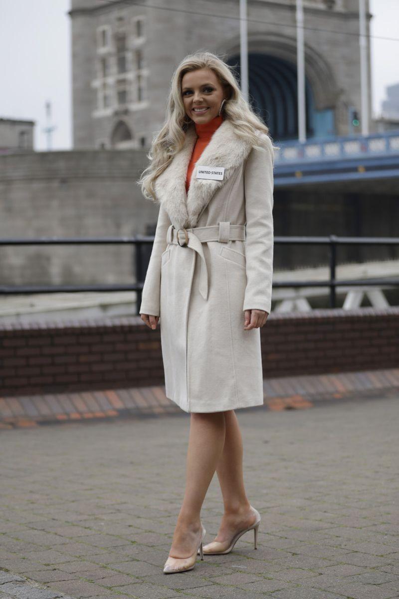 Copy of Britain_Miss_World_79652.jpg-886b7-1574682864228