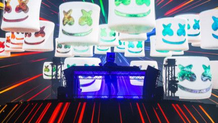 Multi – billion streaming Marshmello wows fans at du Arena during the opening night of Yasalam After-Race Concerts-1575006013068