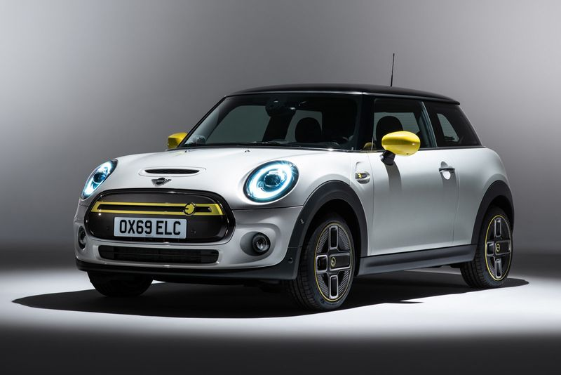 2020 Mini Cooper SE, an all-electric version of the iconic vehicle