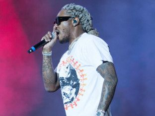 Future took to the stage as the second star performance of the evening's double header as delighted fans sung along to his chart – topping hits-1575096905648