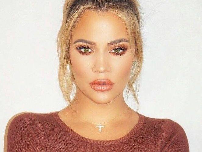 Khloe Kardashian-1575099431423