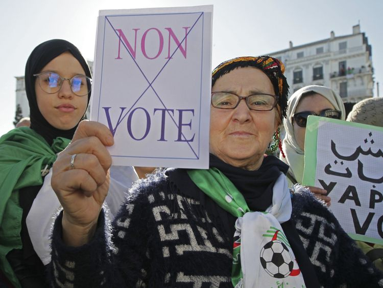 Copy of Algeria_Protests_80467.jpg-0fd6c-1575205556882