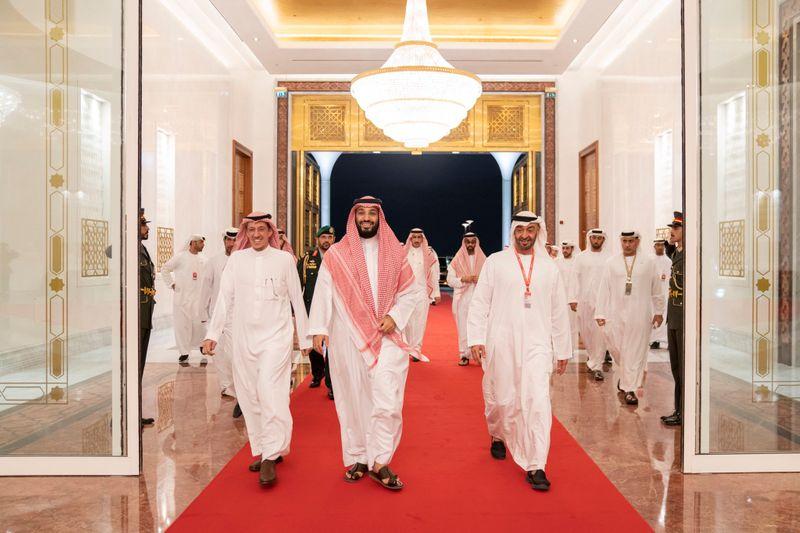 Mohamed Bin Zayed bids farewell to Mohammed Bin Salman 0121