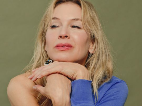 Renee Zellweger COVERSHOT-1575695195694