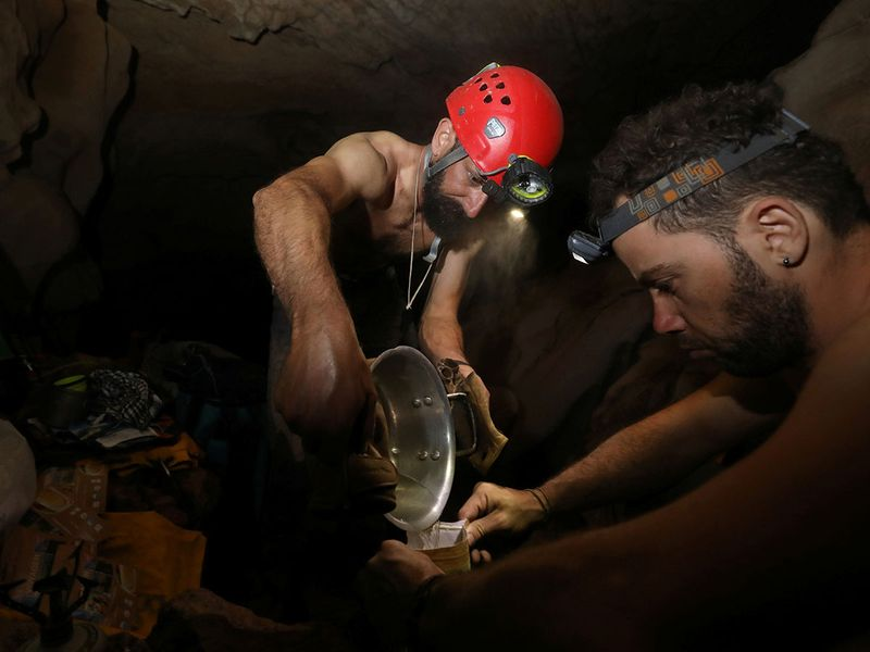2019-12-09T050401Z_557436713_RC2HRD9H1OZ0_RTRMADP_3_OMAN-CAVES-EXPLORE-(Read-Only)