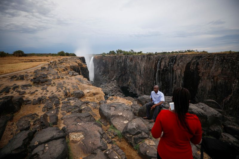 Copy of 2019-12-06T133246Z_1043324175_RC2PPD9QOH1S_RTRMADP_3_CLIMATE-CHANGE-DROUGHT-ZIMBABWE-1575893355016