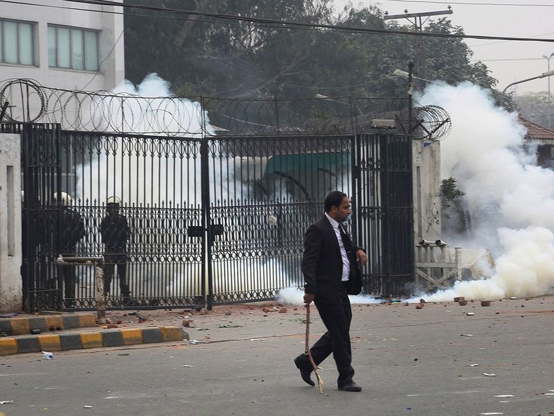 Copy-of-Pakistan_Hospital_Stormed_48156