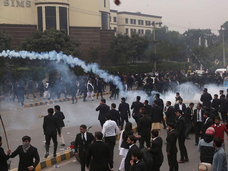 Copy-of-Pakistan_Hospital_Stormed_53347