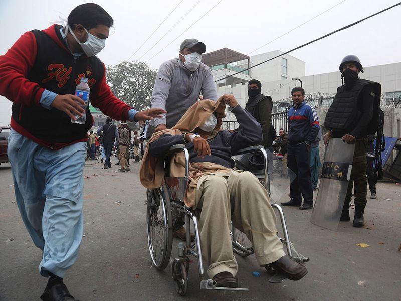 Copy-of-Pakistan_Hospital_Stormed_79335