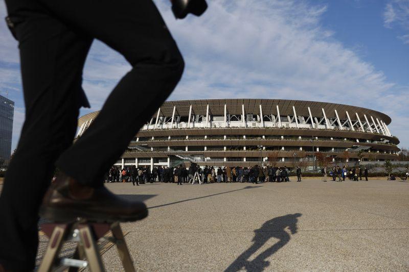 Copy of Tokyo_Olympics_Stadium_Debut_58916.jpg-bd1ab~1-1576411344419