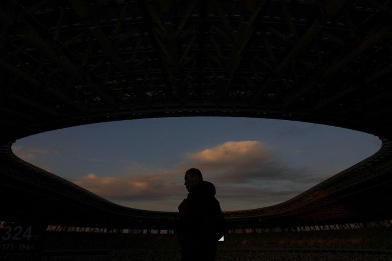 Copy of Tokyo_Stadium_Debut_50317.jpg-692f4~1-1576411331212