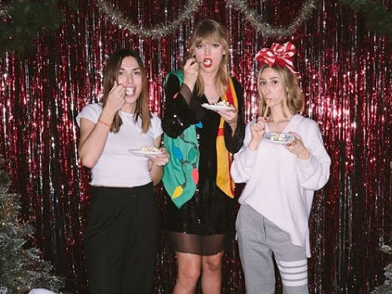 Fantastic In Pictures How Taylor Swift Celebrated Her 30Th Birthday Funny Birthday Cards Online Alyptdamsfinfo