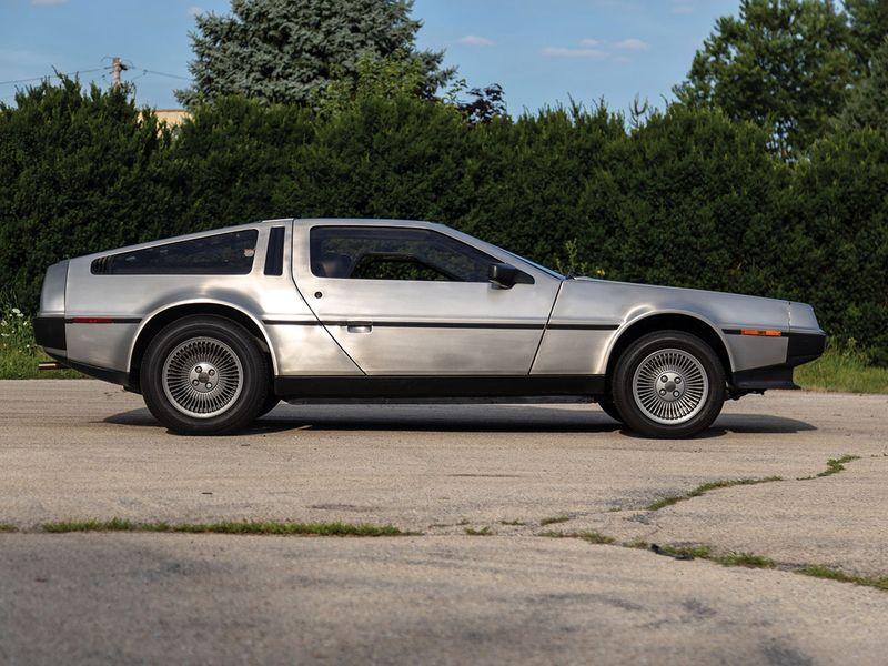 Auto DeLorean