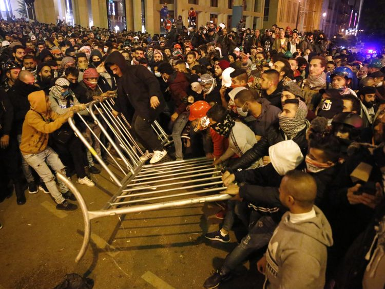 Copy of Lebanon_Protests_36778.jpg-d6cc6~1-1576486695433