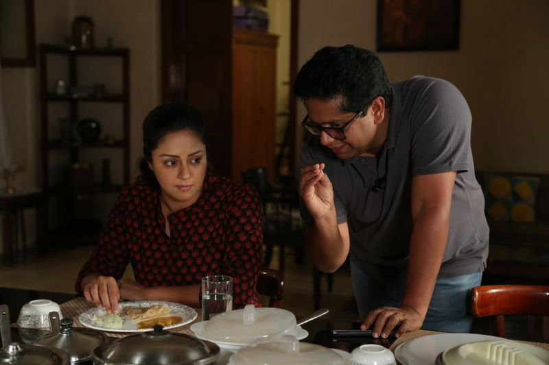 Jeethu Joseph with Jyotika on the sets of Thambi-1576650289855