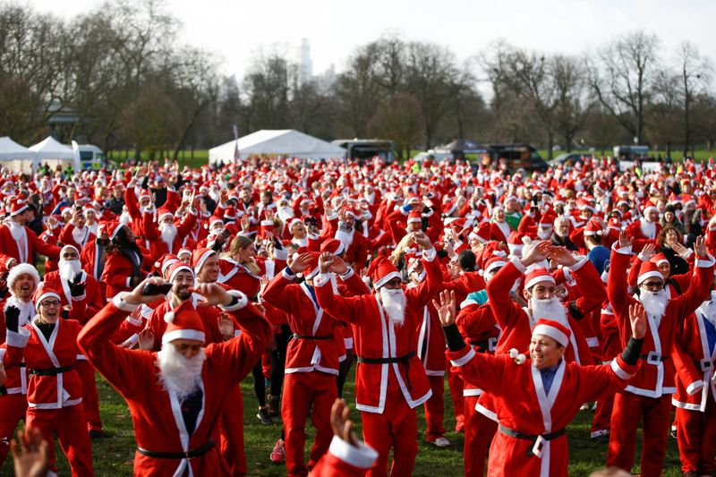 Copy of 2019-12-08T125528Z_797582077_RC20RD9WQ8VI_RTRMADP_3_CHRISTMAS-SEASON-SANTARUN-1576745606742