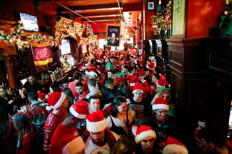 Copy of 2019-12-14T210931Z_1706728993_RC29VD9OMWTZ_RTRMADP_3_CHRISTMAS-SEASON-SANTACON-1576745579441