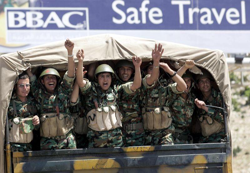 REG 191218 Syrian army leaving lebanon in 2005-1576740268788