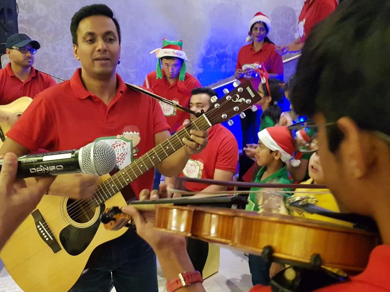 Dubai-based, Jingles carol singing group