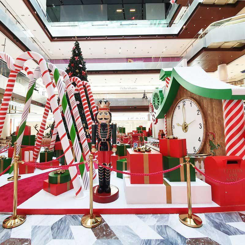 Santa grotto at the galleria, Abu Dhabi