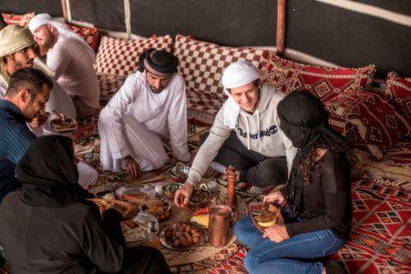 Enjoying the Al Marmoom Bedouin Experience-1577261173838