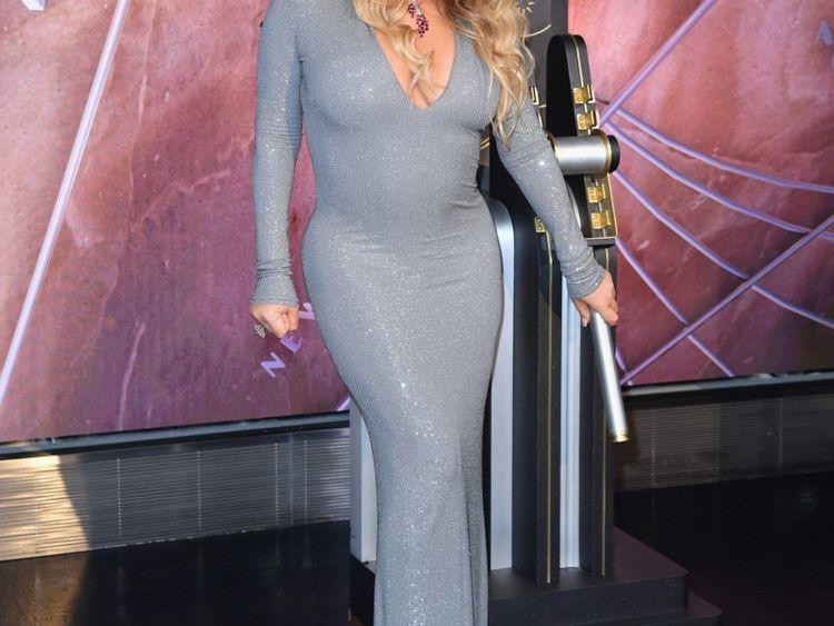 TAB 191225 Mariah Carey-1577257592301