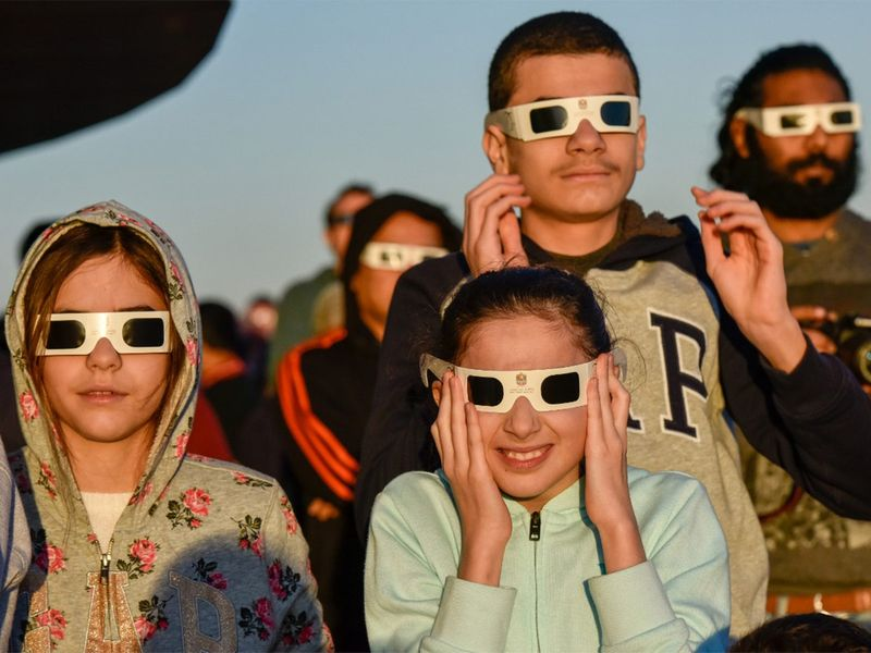 Solar eclipse people 20191226