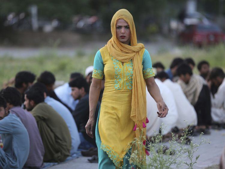 Copy of Pakistan_Transgender_68835.jpg-6d6c4~1-1577959680626