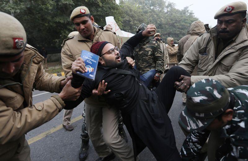 India protest constitution