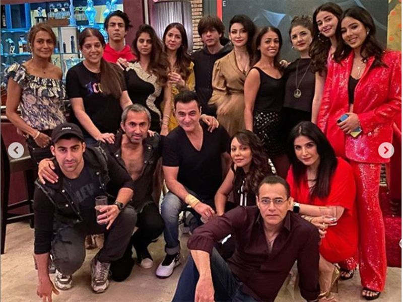 Shah Rukh Khan with his family and friends celebrating New Year at Alibag.