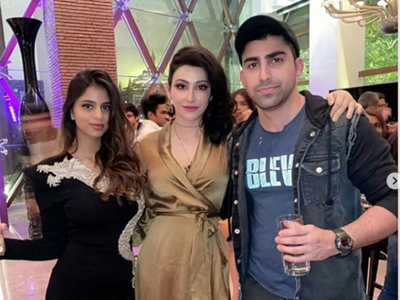 Suhana Khan with friends at Alibag.