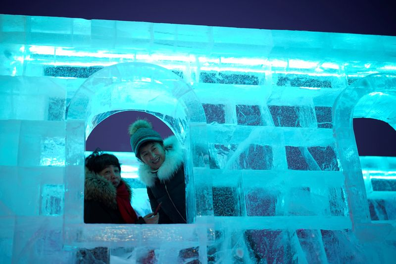 Copy of 2020-01-04T114802Z_826882582_RC2Z8E9TCNFF_RTRMADP_3_CHINA-ICEFESTIVAL-1578226214197