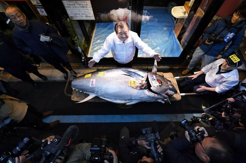 Copy of 2020-01-05T073532Z_1656824653_RC2J9E9JU91X_RTRMADP_3_NEW-YEAR-JAPAN-TUNA-AUCTION-1578216751582