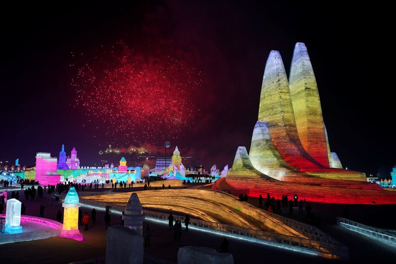 Copy of 2020-01-05T100625Z_758900764_RC2M9E9V6L1D_RTRMADP_3_CHINA-ICEFESTIVAL-1578226233926