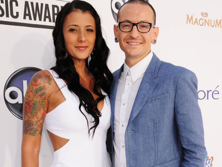 TAB 200106 Chester Bennington and wife-1578299679047